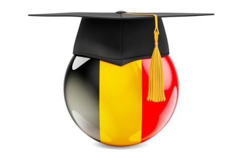 Belgia: Ilu mieszkańców Belgii ma wyższe wykształcenie?